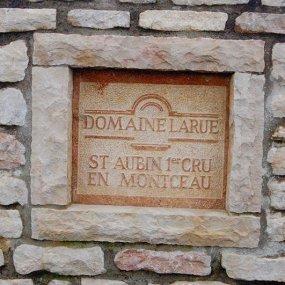 Schild des Weingutes Domaine Larue © Domaine Larue